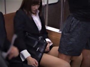 【明日花キララ/痴漢OLレイプ】そのバスは危険だ!痴漢師の待ち受ける路線バスに乗ってしまい固定バイブで鬼畜強姦!