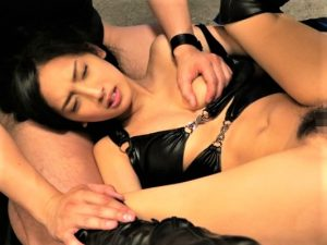 【辻本杏/媚薬レイプ】屈する事は認めず睨みながらもニヤニヤしながら膣内を味わう男に白く汚される巨乳捜査官