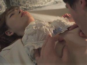 【明里つむぎ/女子アナレイプ】レイプサークルに目を付けられた美人で美脚な貧乳アナウンサーが感度の良い乳首を責め上げられる!